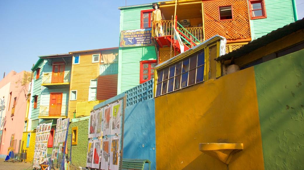 La Boca which includes a house