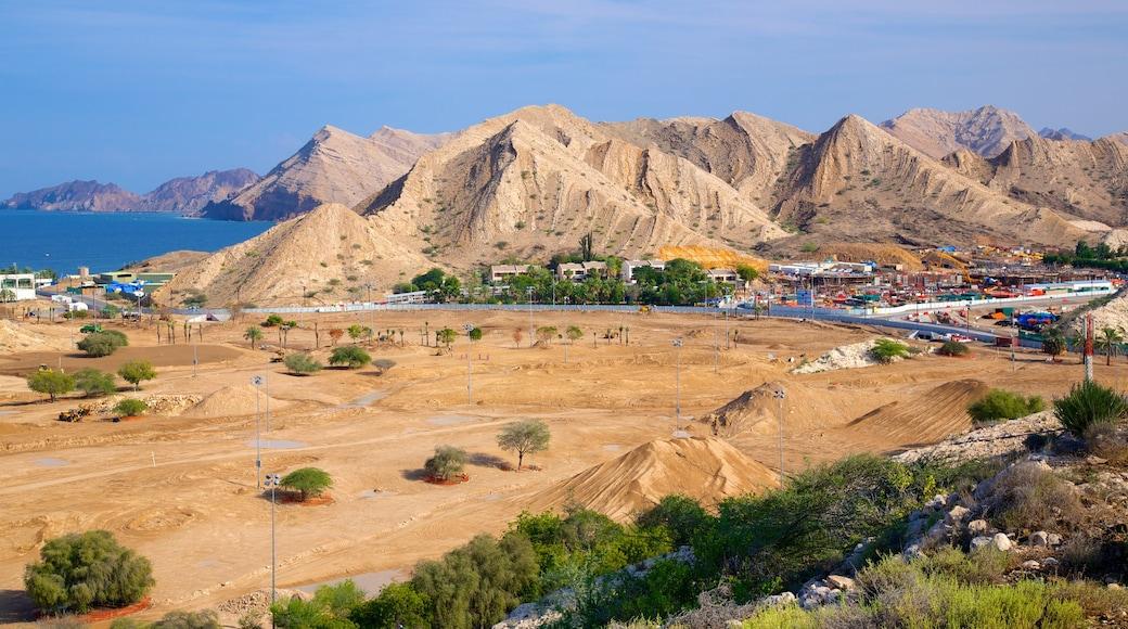 Shatti Al Qurum featuring tranquil scenes and mountains