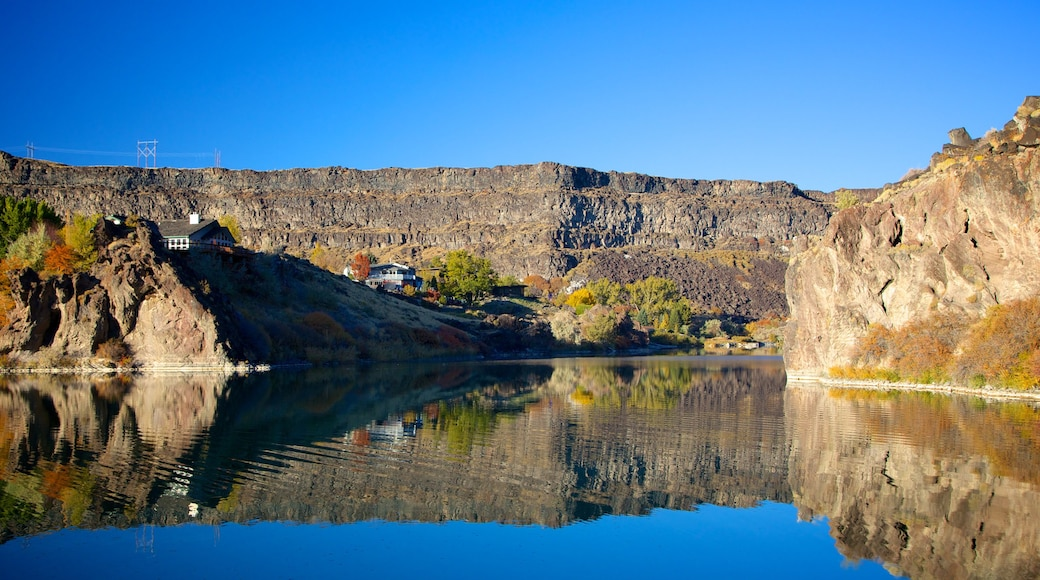 Twin Falls which includes a river or creek, landscape views and a gorge or canyon