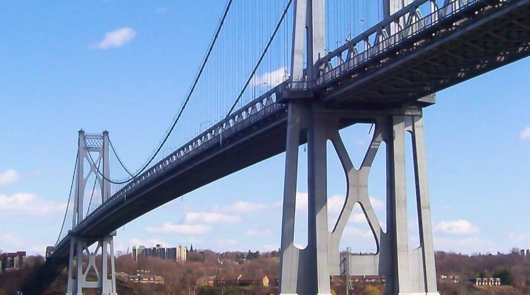 Poughkeepsie showing a bridge