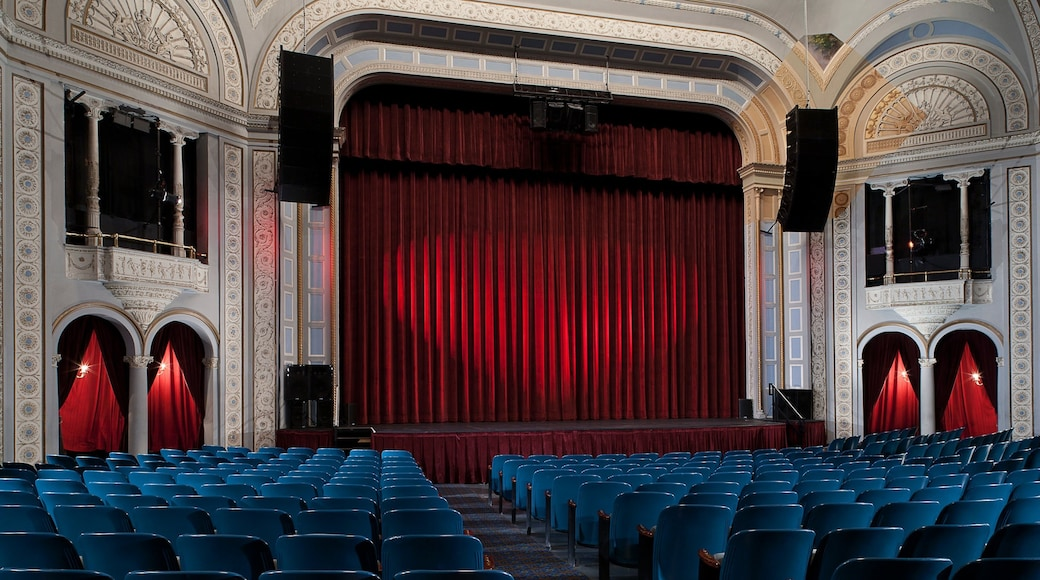 Poughkeepsie featuring heritage architecture, interior views and theater scenes