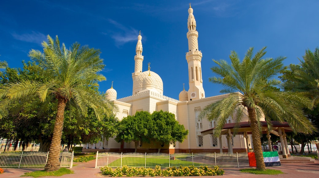 Jumeirah Mosque featuring a mosque and religious elements