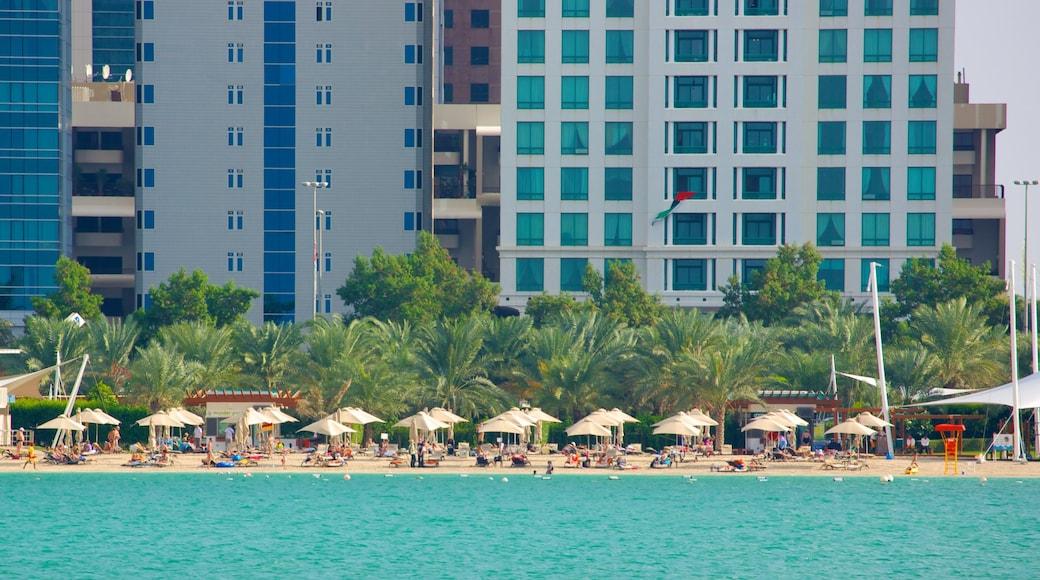La Corniche qui includes plage de sable et vues littorales