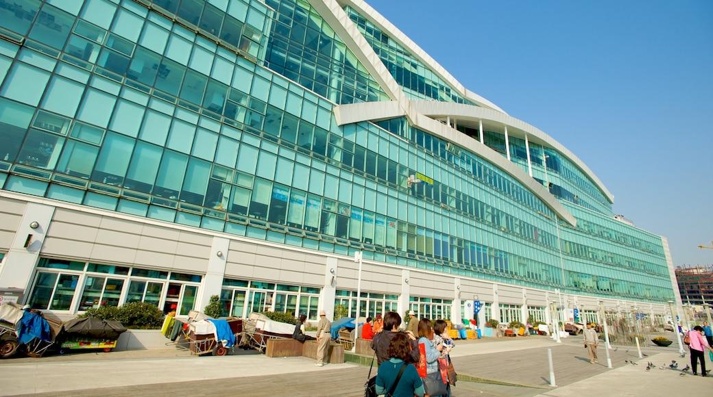 札嘎其魚市場 呈现出 現代建築