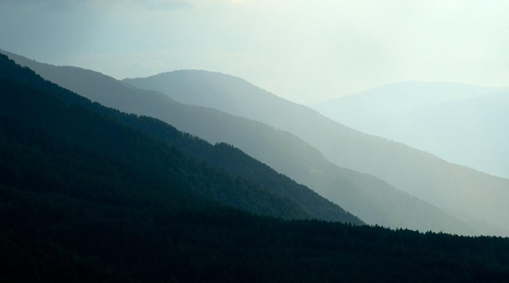 Villnöß welches beinhaltet Landschaften, Berge und ruhige Szenerie