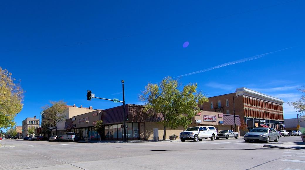 Cheyenne ofreciendo escenas urbanas y una pequeña ciudad o pueblo