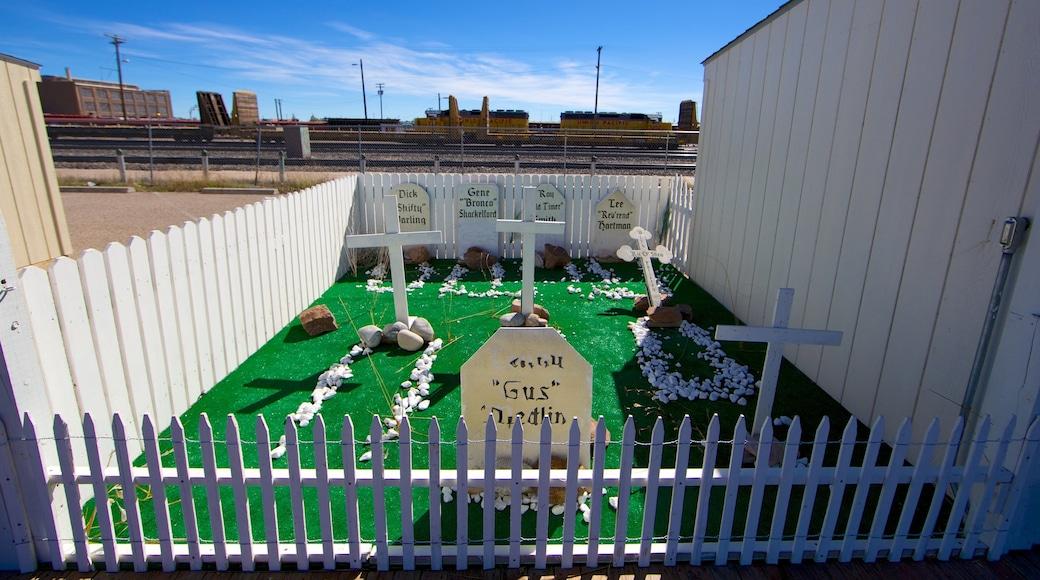 Cheyenne que incluye un monumento y un cementerio