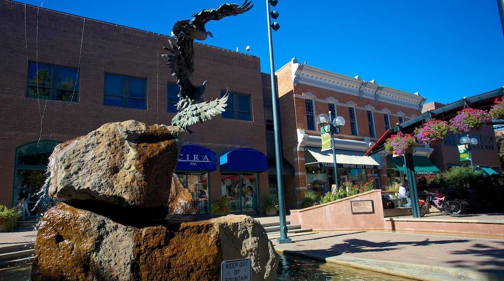 Fort Collins ofreciendo una fuente y imágenes de calles