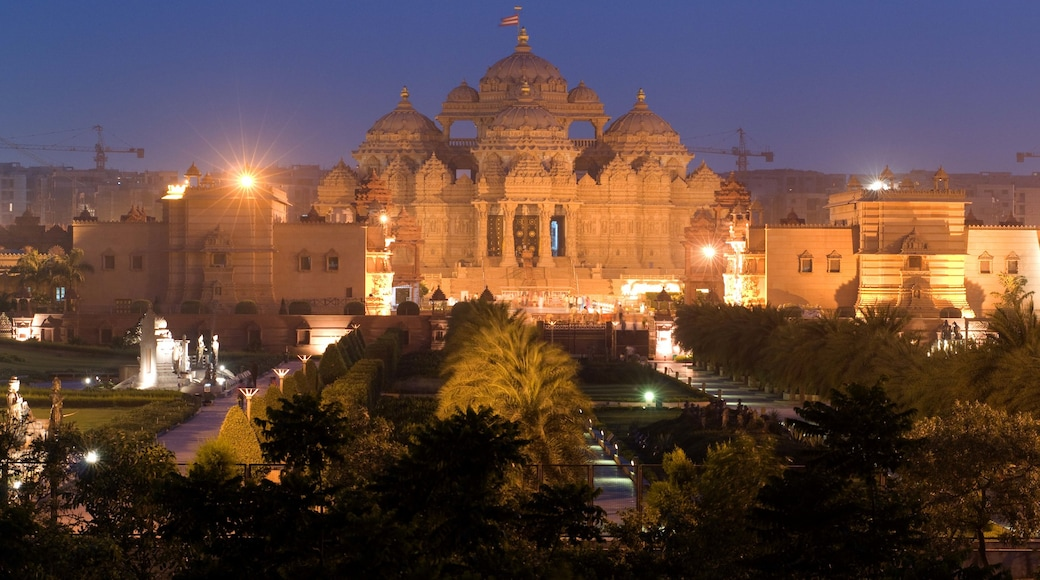 Swaminarayan Akshardham Temple which includes heritage architecture, a garden and religious aspects