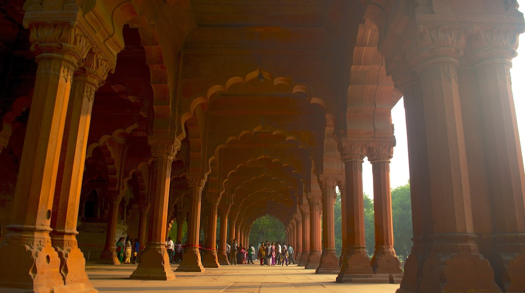 Red Fort showing heritage architecture, a castle and interior views