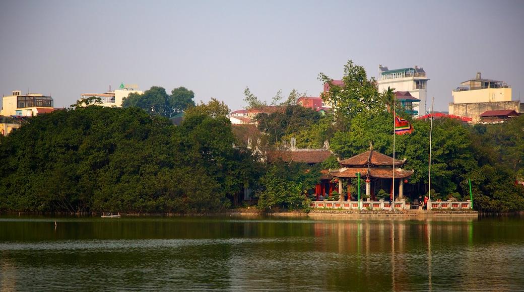 Hoan Kiem Lake featuring a lake or waterhole