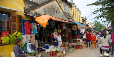Hoi An City Centre which includes markets, cycling and street scenes