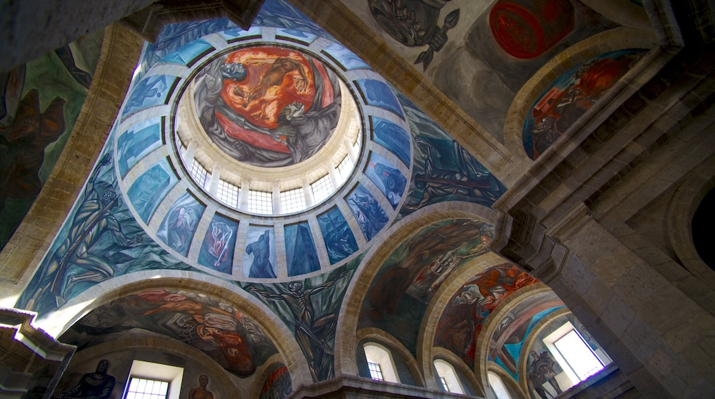 Hospicio Cabañas ofreciendo vistas interiores, patrimonio de arquitectura y arte