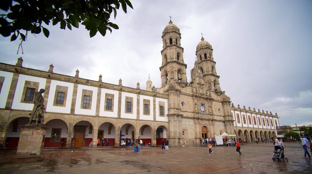 Basílica de Zapopan mostrando patrimonio de arquitectura, una iglesia o catedral y una ciudad