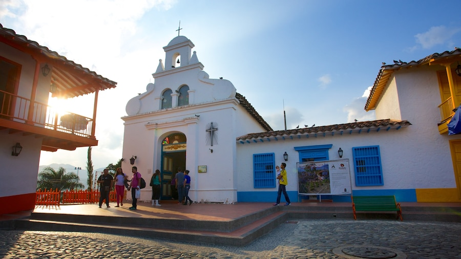 Pueblito Paisa showing religious elements and a church or cathedral