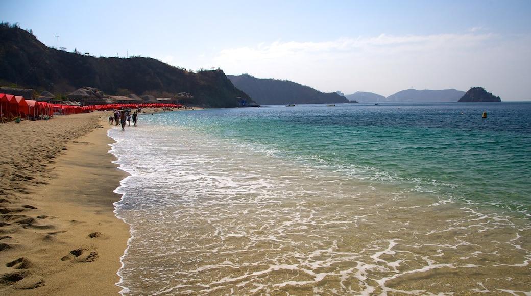 布蘭卡海灘 设有 海灘 和 山水美景