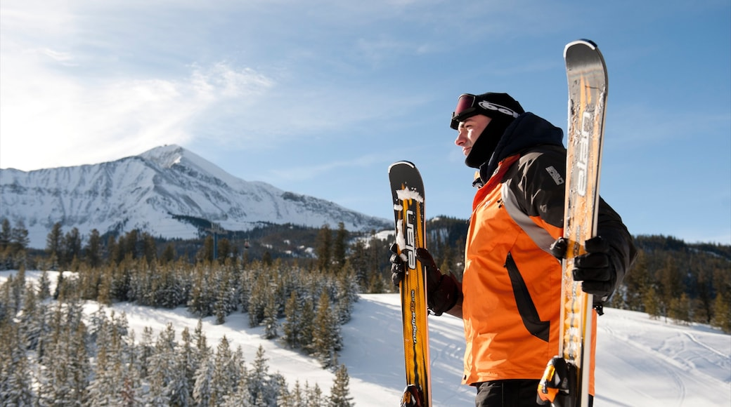 Big Sky Resort featuring mountains, snow and snow skiing