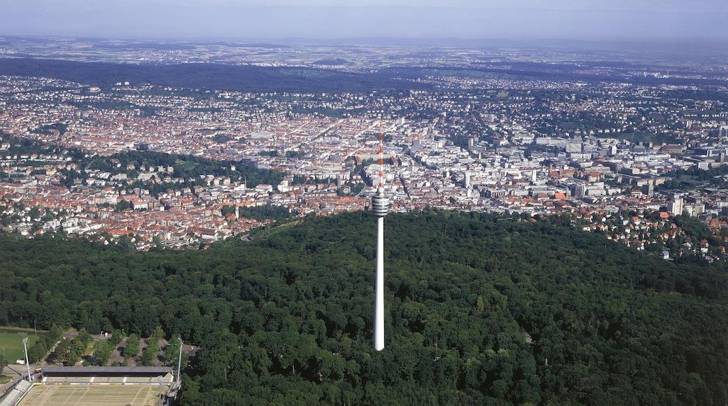 슈투트가르트 TV탑 을 보여주는 도시 과 마천루