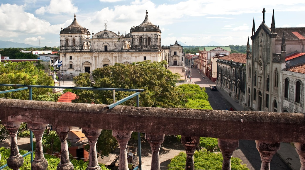 Nicaragua which includes a small town or village, heritage architecture and views