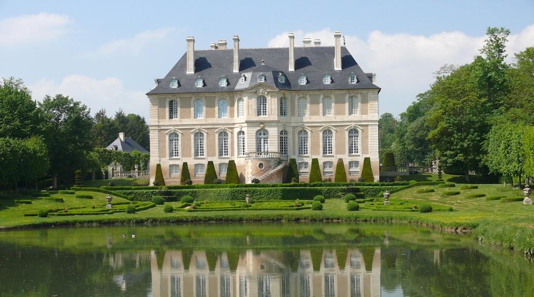 Calvados qui includes mare, château et patrimoine architectural