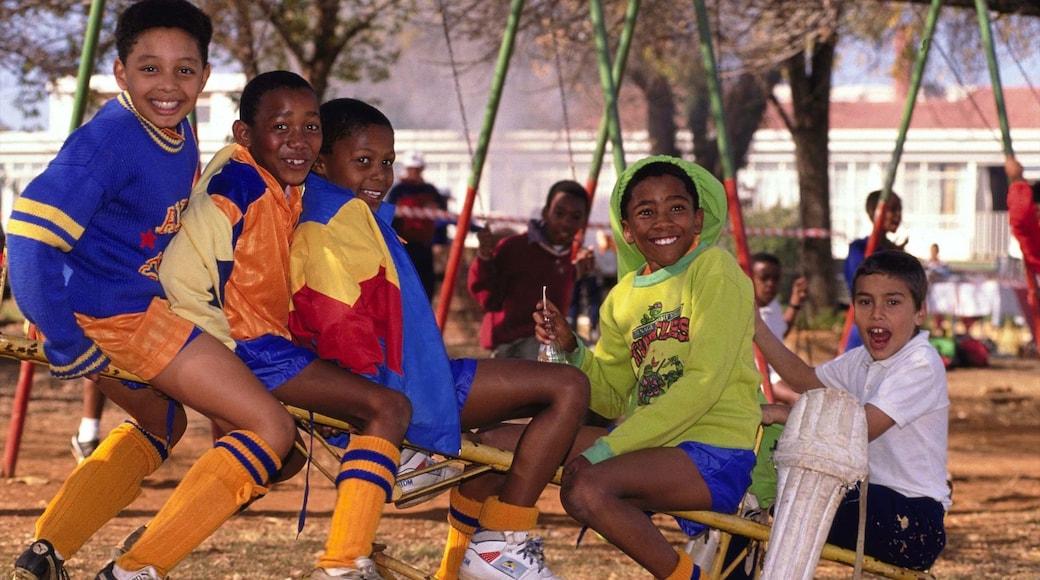 Pretoria montrant aire de jeu aussi bien que enfants