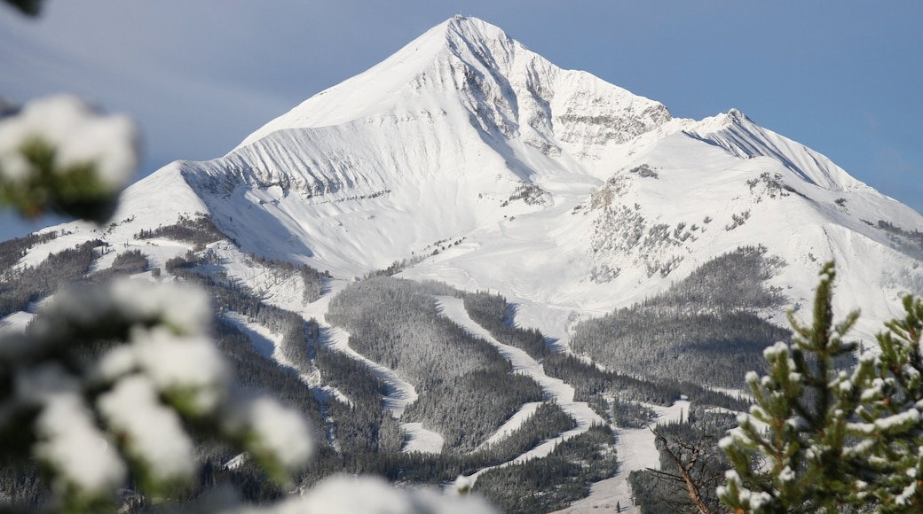 Big Sky Resort featuring snow and mountains