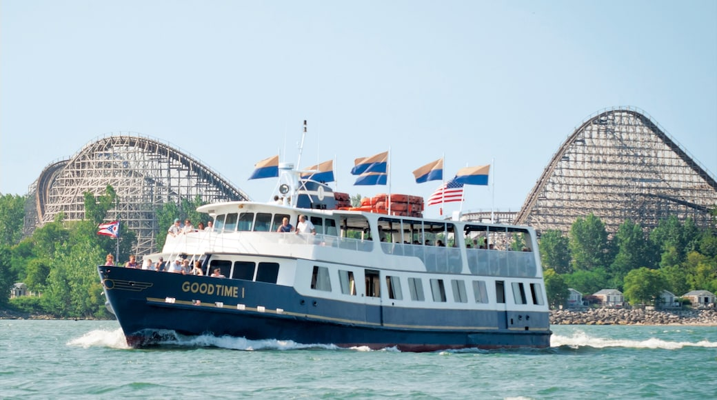 Sandusky which includes general coastal views, boating and rides
