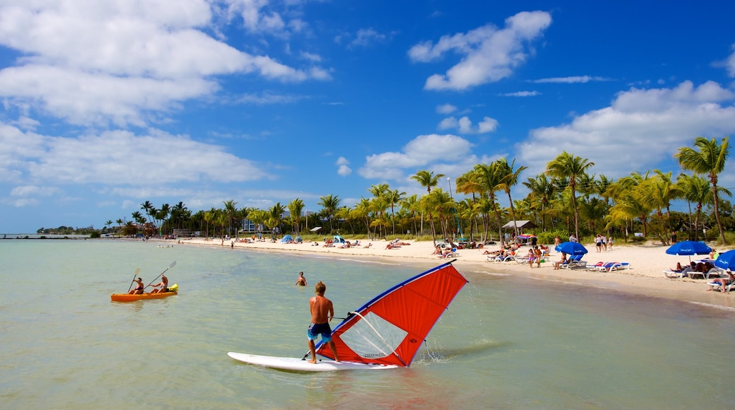 Smathers Beach showing a bay or harbor, tropical scenes and windsurfing