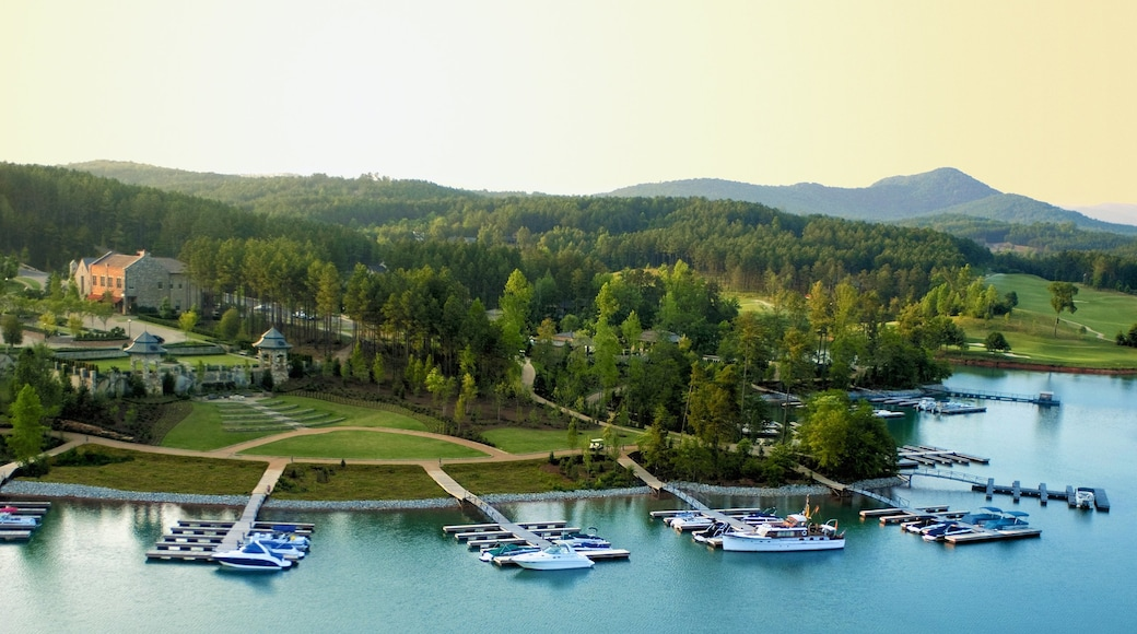 Greenville featuring a bay or harbor, a marina and a coastal town