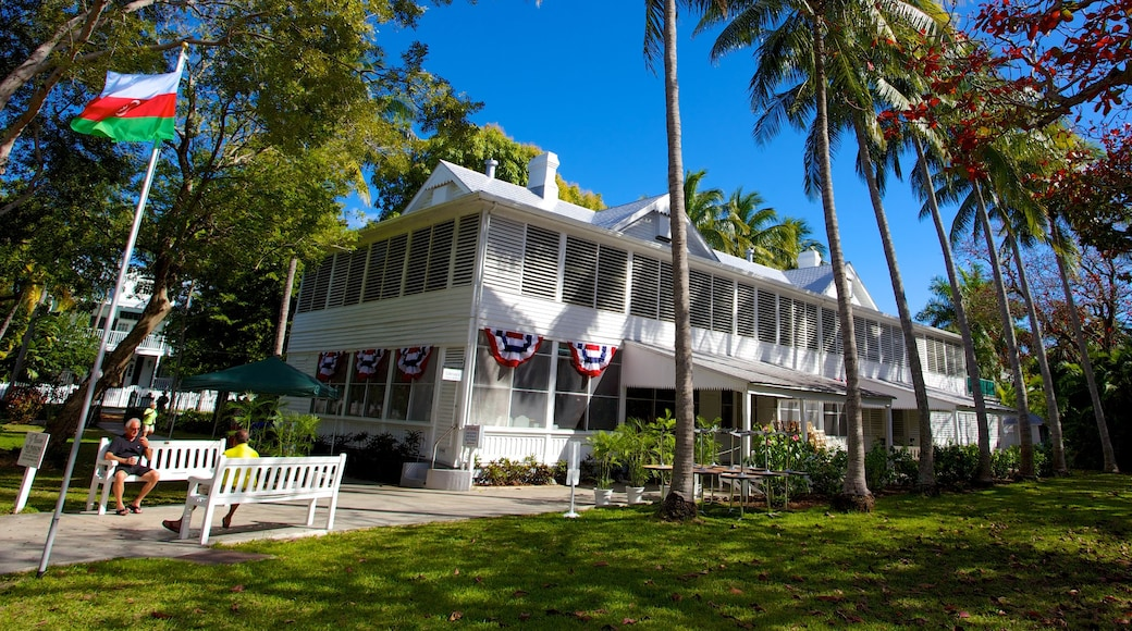 Harry S. Truman Little White House showing a house
