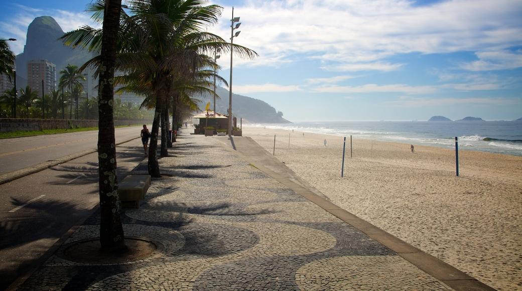 Sao Conrado Beach featuring a sandy beach