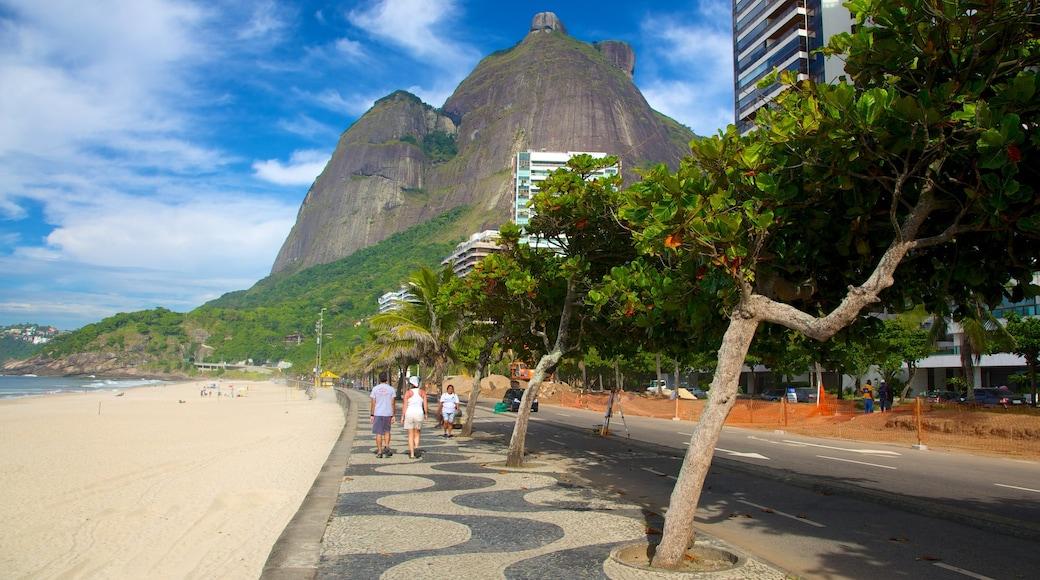 Playa de São Conrado que incluye una playa