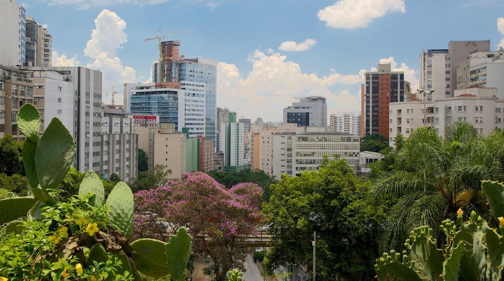 Museo de Arte Moderno que incluye un parque, una ciudad y un edificio alto