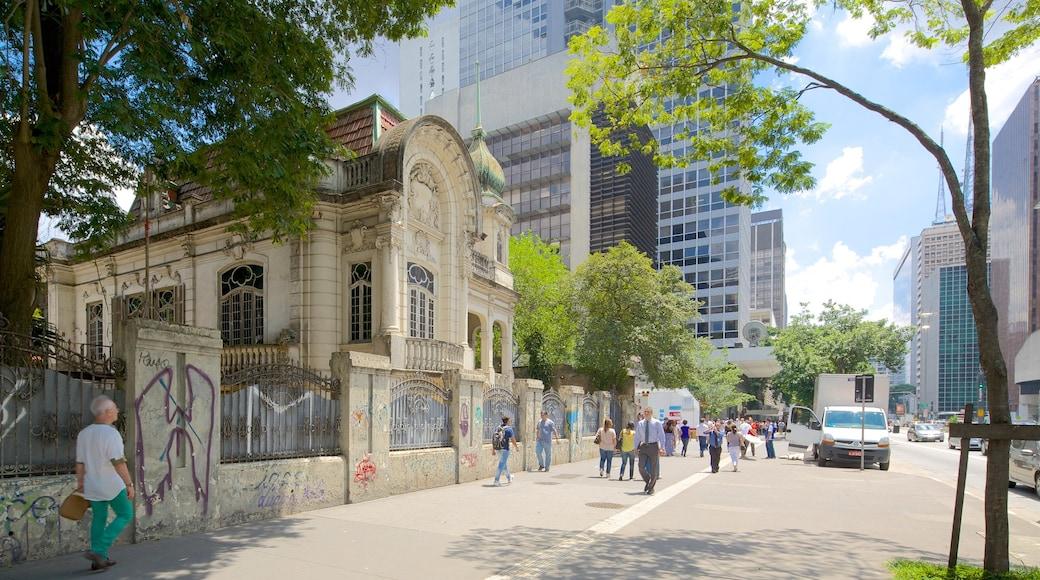 Paulista Avenue mostrando arquitectura patrimonial