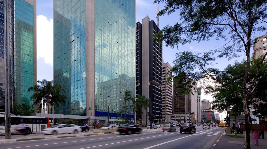 Paulista Avenue ofreciendo una ciudad y arquitectura moderna