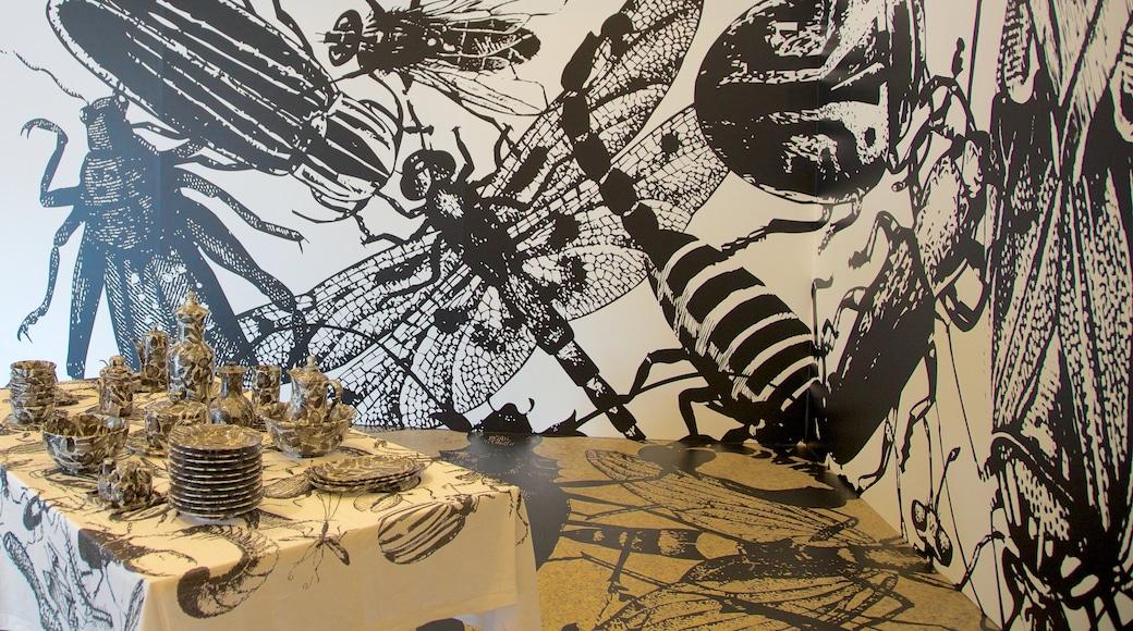 Museo de Arte Moderno que incluye arte y vista interna