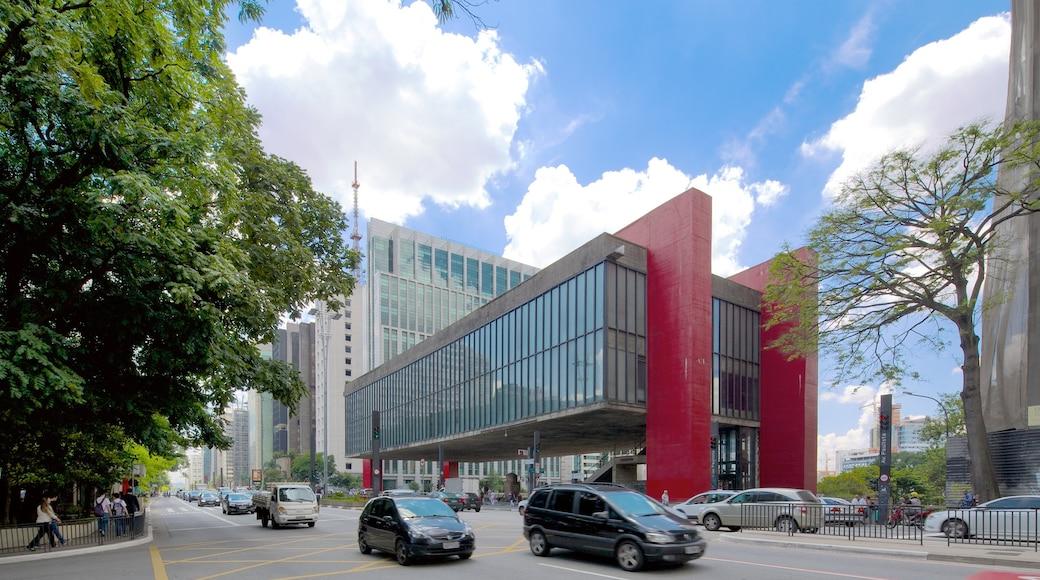 Museo de Arte Moderno mostrando una ciudad, imágenes de calles y arquitectura moderna