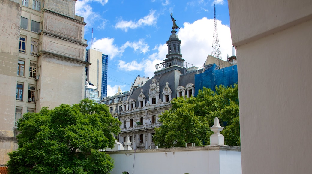 Cabildo which includes heritage architecture and a city