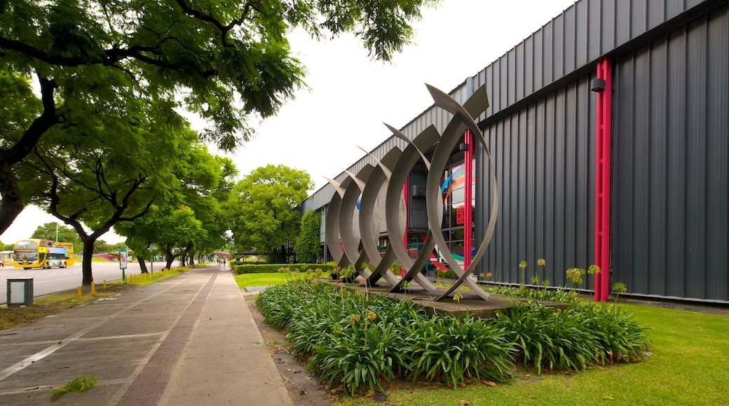 National Museum of Fine Arts showing outdoor art