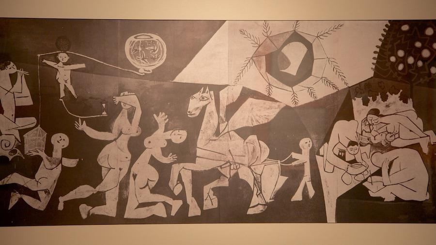 Municipal Museum of Modern Art featuring art