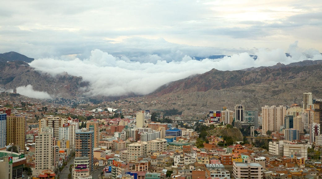 La Paz which includes a city and mountains