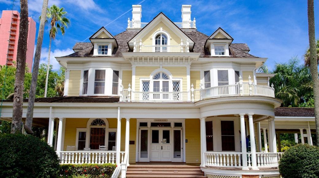 Burroughs Home qui includes maison
