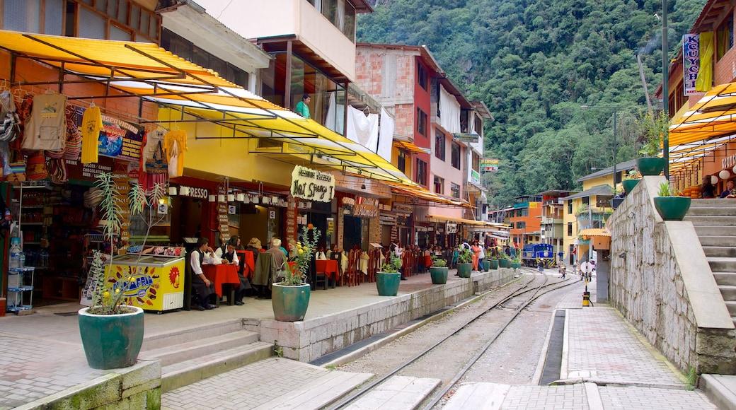 Cuzco caracterizando estilo de vida de cafeteria e cenas de rua
