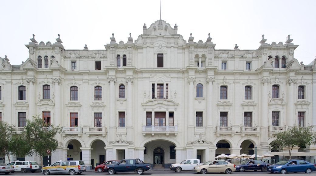 Plaza San Martín mostrando escenas urbanas