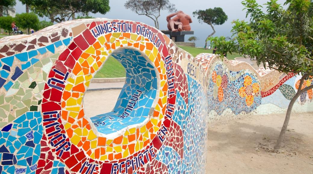 Parque del Amor featuring outdoor art