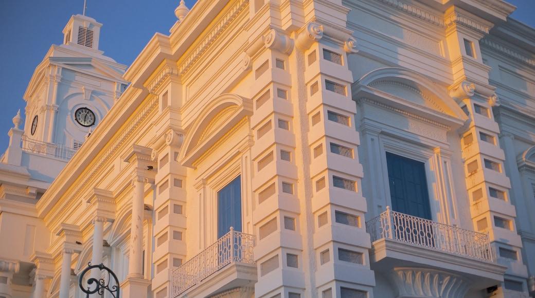 Hermosillo mit einem historische Architektur und Sonnenuntergang