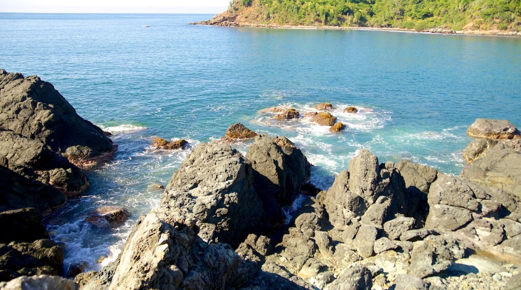 Ixtapa Island showing rugged coastline