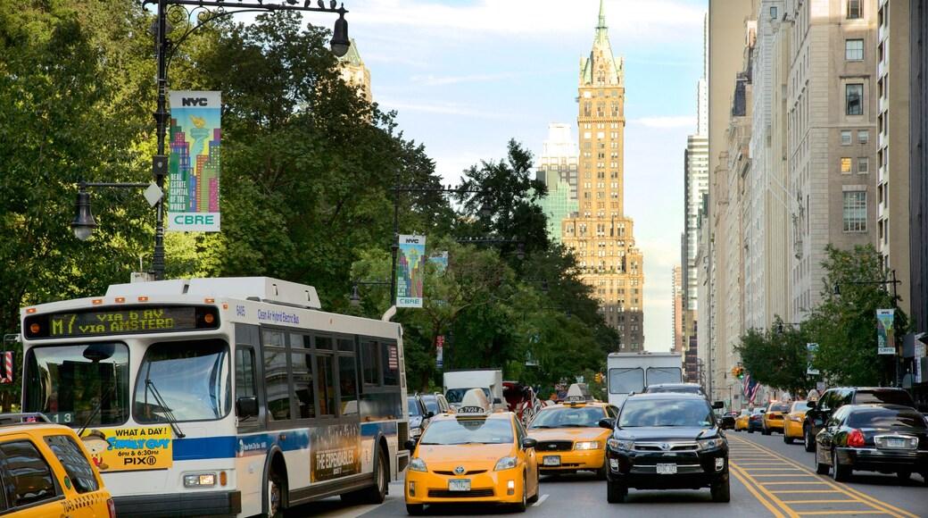 Columbus Circle mostrando imágenes de calles y una ciudad