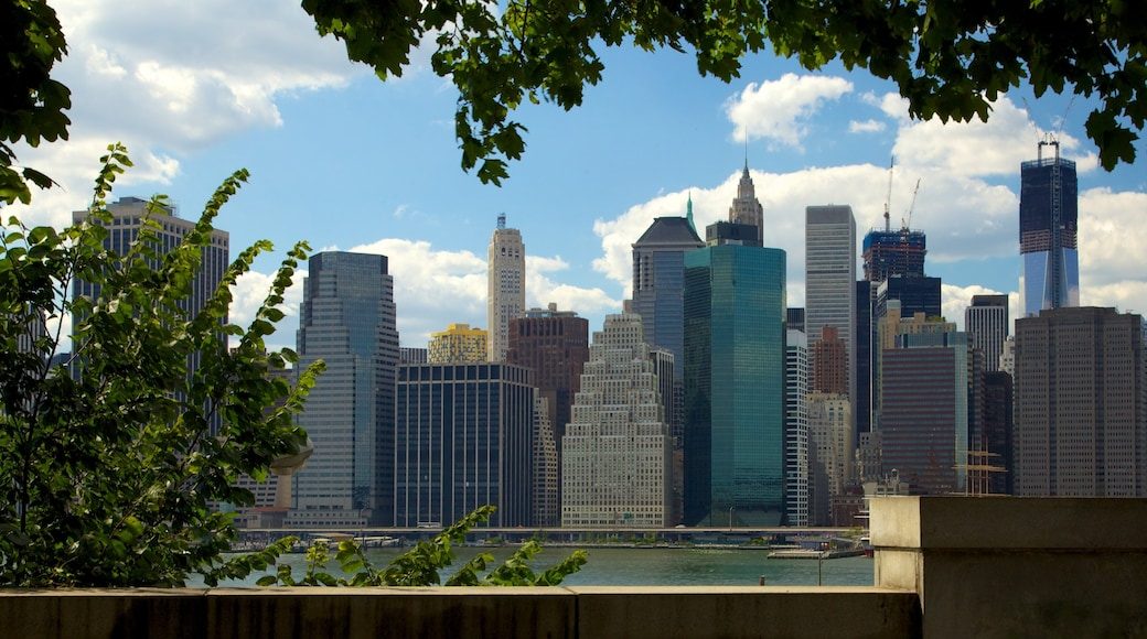 Brooklyn Heights som viser by, skyskraper og cbd