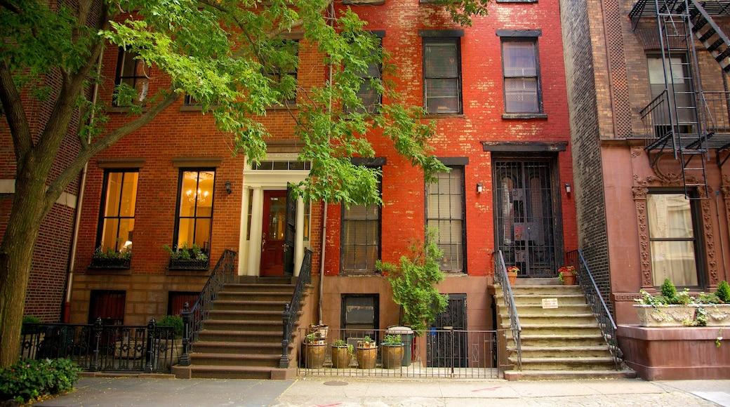 Brooklyn Heights som inkluderer hus og gatescener